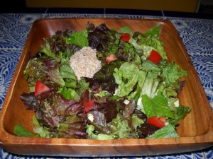 Salad with Texas nut puree
